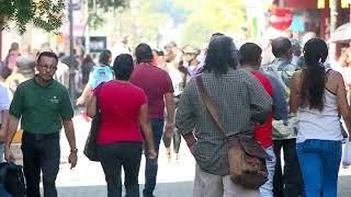 Aglomeraciones en San José: Descuentos y aguinaldo motiva a salir a las personas
