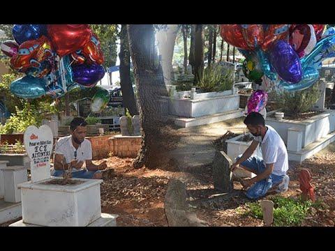 'Çocuğum Mezarda, Gelemez!' Baloncunun Yürekleri Burkan Mezarlık Ziyareti