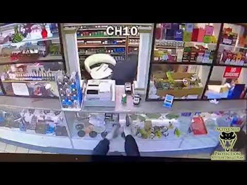 St Louis Store Clerk Shot In The Shoulder