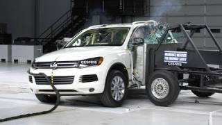 2011 Volkswagen Touareg side crash test