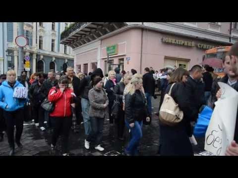 Підприємці 5-го сектору Калинівського ринку пікетують біля міської ради