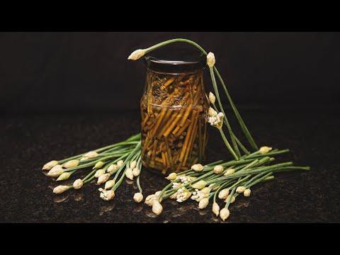 Маринованные стрелки чеснока на зиму. photo