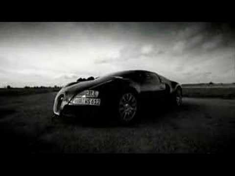 Bugatti Veyron ? fast even in slow motion