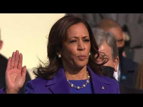 Kamala Harris hace historia al jurar como la primera vicepresidenta de Estados Unidos