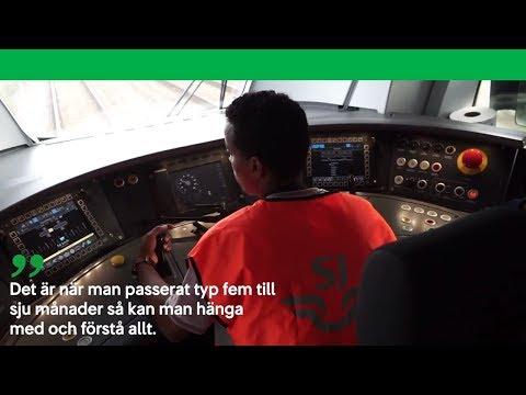 Följ lokförarpraktikanten Ahmed Osman under ett pass i förarhytten