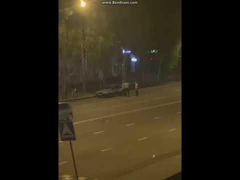 В Сыктывкаре во время драки разбили машину