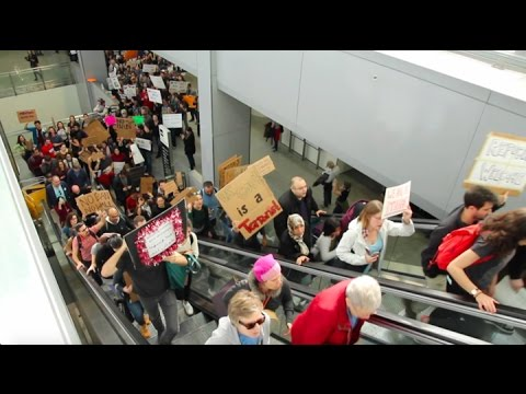 Protesters and lawyers show support at SFO - Sophie Penn