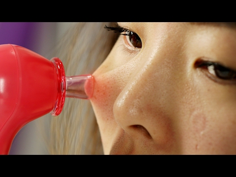 People Try Sucking Their Blackheads Out