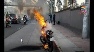 Una motocicleta se incendió en la carretera a El Salvador