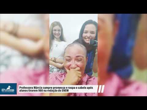 Professora Márcia cumpre promessa e raspa o cabelo após alunos tirarem 980 na redação do ENEM