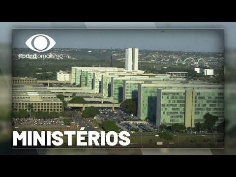 Bolsonaro vai fazer reforma ministerial na próxima semana