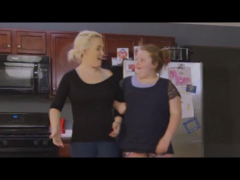 connectYoutube - Honey Boo Boo Hilariously Teaches Mama June to Walk in Heels on 'From Not to Hot' (Exclusive)
