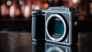 Hands on with Hasselblad's medium format mirrorless camera
