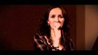 Intre cer si pamant - Teodora Popescu