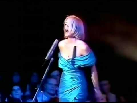 Eighth Wonder - I'm not scared (live)