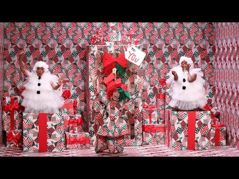 connectYoutube - Sia Unwraps a Special Holiday Performance of 'Snowman'