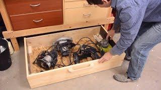 Rolling under-workbench drawer