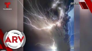 Volcán Taal: Rayos volcánicos iluminan el cielo y siembran terror en Filipinas   Telemundo