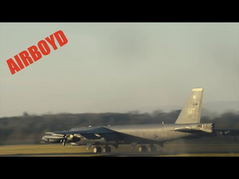 connectYoutube - B-52 Stratofortress Touch And Go At RAF Fairford