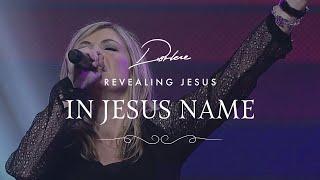 Pentru noi Se luptă - (In Jesus' Name - Darlene Zschech)