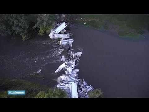 Enorme ravage na ontspoorde goederentrein in Amerika - RTL NIEUWS