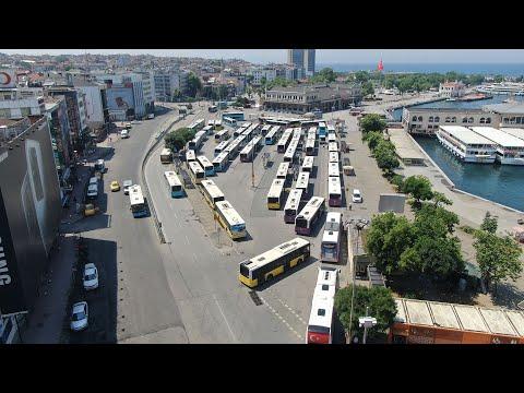 Kısıtlamada boş kalan Kadıköy Meydanı havadan görüntülendi