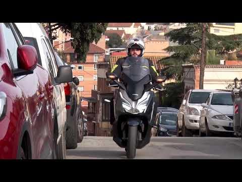 Motosx1000: Test Honda Forza 300
