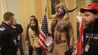En direct : après l'assaut du Capitole, les élus américains reprennent leur travaux