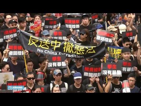 Honderdduizenden demonstranten eisen vertrek leider Hongkong - RTL NIEUWS