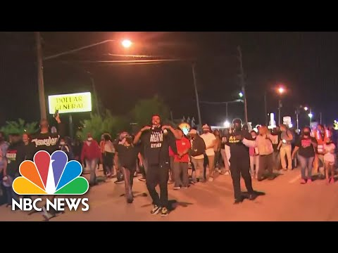 Protesters Demand Transparency, Accountability In Fatal Shooting Of NC Man | NBC News NOW