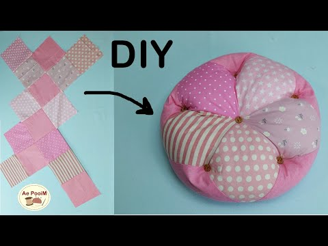 DIY-Flower-Cushion-from-Square
