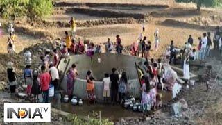 Villagers forced to walk kilometres to fetch water in Maharashtra's Nashik - INDIATV