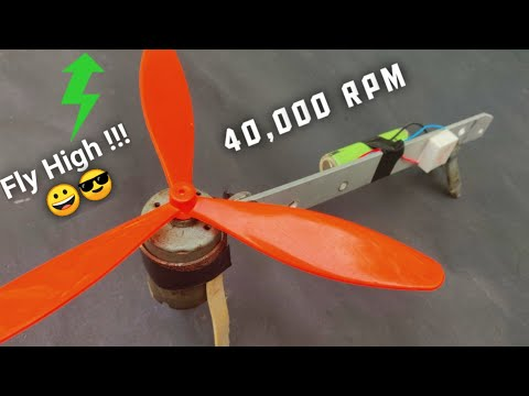 40000 RPM - 12V DC Motor from Old DVD forced at 40 Volts DC ( Flying Helicopter )