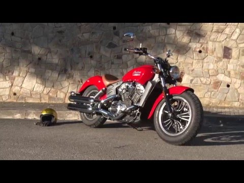 Motosx1000 : Test Indian Scout
