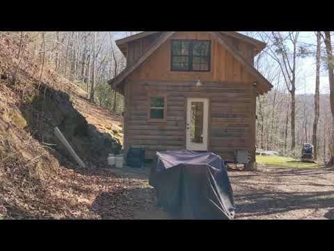 A little off grid cabin