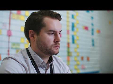 Finavia on lentoasemayhtiö, joka johtaa ja kehittää 21:tä lentoasemaa eri puolilla Suomea. Lentoasemien ainutlaatuisessa, kansainvälisessä ja jatkuvasti kehittyvässä toimintaympäristössä tarvitaan nyt ja tulevaisuudessa paljon erilaista osaamista. Katso Tuomon tarina.
