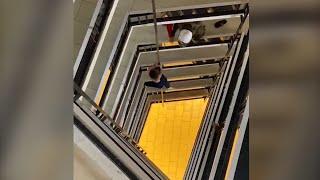Denunciado por violencia intrafamiliar: Hombre cae de un sexto piso al escapar de Carabineros