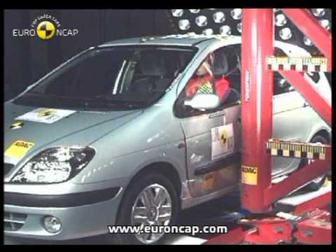 Renault Scenic Accident Test