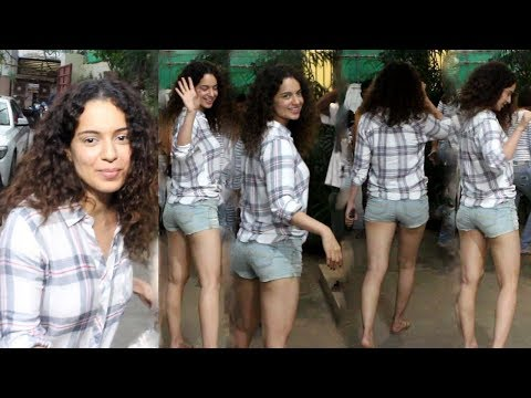 Kangana Ranaut Beautiful Look At Sunny Super Sound Studio in Juhu