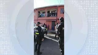 Al menos 100 policías intervinieron en discusión entre taxistas informales y tránsito