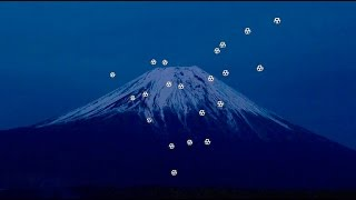 Drone 'fireworks' light up Mount Fuji (Tomorrow Daily 357)