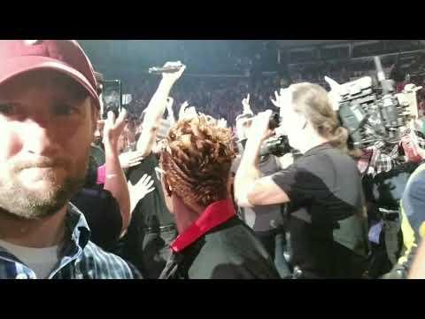 Is that Tim McGraw? Soul2Soul Tour