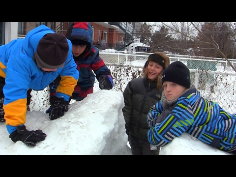 La fête de 10 1/2 ans de Léo ! Pis construction d'un fort de neige !