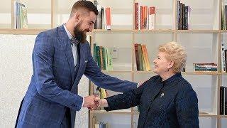 """Prezidentė susitinka su J. Valančiūnu, kuris tampa kampanijos """"Už saugią Lietuvą"""" ambasadoriumi"""
