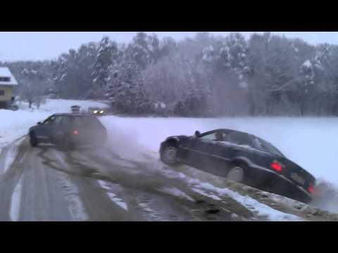Video: Jei nebūtų audinių - Kas trauktų BMW iš grovių?