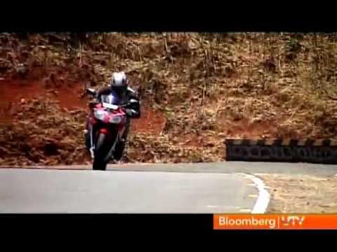 2012 Honda CBR150R Vs Yamaha YZF-R15 V2.0 | Comparison Test | Autocar India