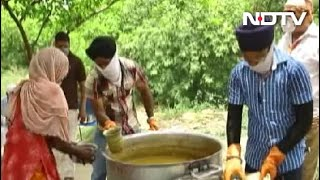 Sikh Community Working Relentlessly To Feed The Hungry - NDTV