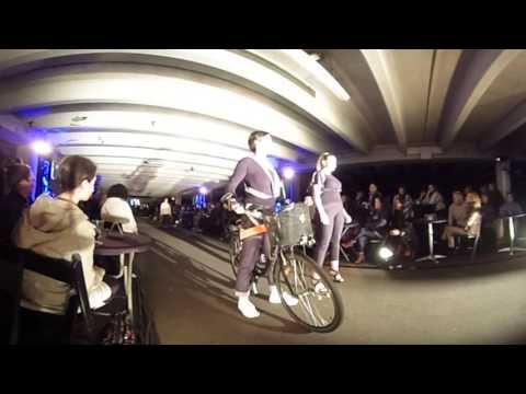 Project Glow Catwalk Fashion Show 360°