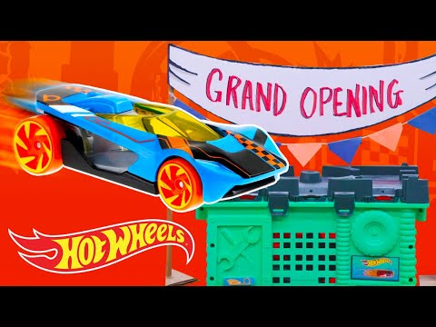 Draven crashes GRAND OPENING of the NEW DOWNTOWN HOT WHEELS CITY! | Hot Wheels City | Hot Wheels