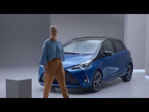 Toyotan hybridiauton vakuuttaminen ei maksa yhtään sen enempää kuin perinteisen polttomoottoriauton vakuuttaminen, ja ylläpitokuluiltaan hybridiauto on itse asiassa tavanomaista autoa edullisempi.